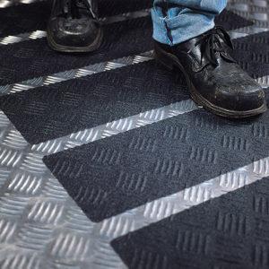 Противоскользящие самоклеющиеся ленты 3M™ Safety-Walk™